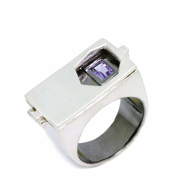 GERMAN KABIRSKI Amethyst Silver Ring
