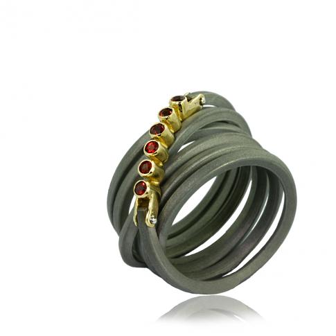 Gold & Garnets Ring