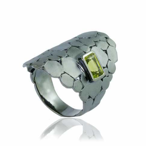 GERMAN KABIRSKI Black Rhodium Peridot Ring